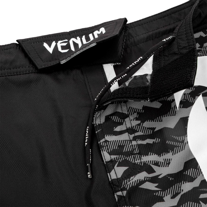 Moške kratke hlače VENUM - Light 3.0 Fightshorts - Črna / Urban Camo