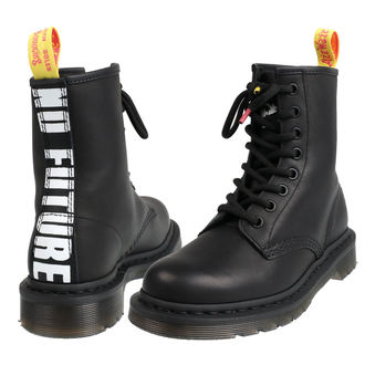 čevlji DR.MARTENS - 8 dírkové - Sex Pistols - MILLED GREASY+ BACKHAND - Black, Dr. Martens, Sex Pistols